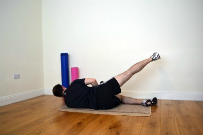 oblique single leg stretch